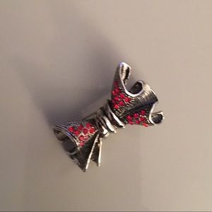 Jewelry - Bow Brooche